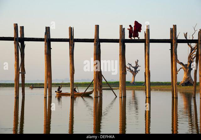 U Bein bridge at Amarapura, Taung Thama Lake, Mandalay Province, Myanmar (Burma), Asia - Stock-Bilder