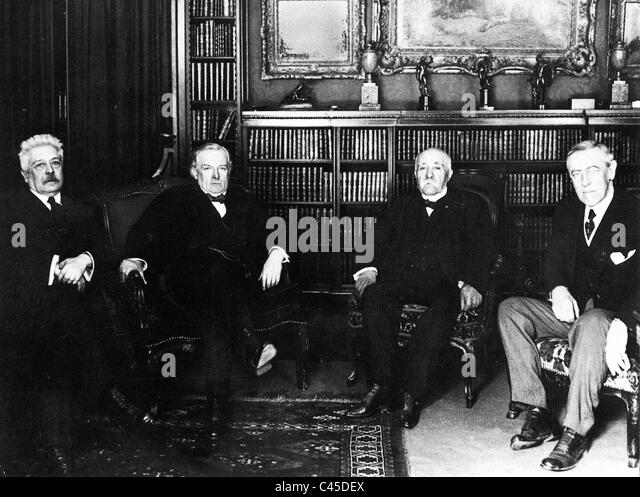 The allied statesmen Orlando, George, Clemenceau, Wilson at Versailles - Stock Image