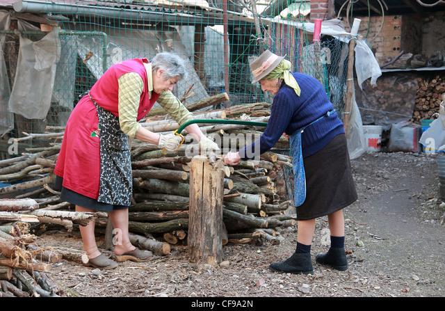 nenets woman cutting firewood - photo #36