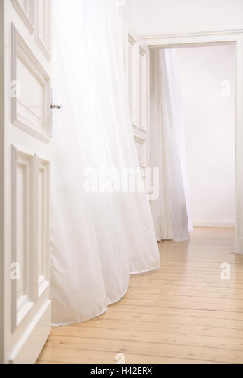 Apartment, empty, doors, frankly, curtains,  blows  Rooms, areas, floor, parquet, parquet floor, curtains, white, - Stock Image