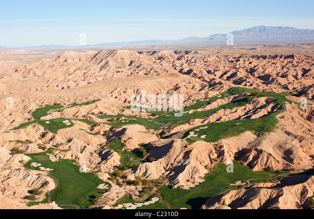 GOLF COURSE IN THE DESERT (aerial view). Mesquite, Clark County, Mojave Desert, Nevada, USA. - Stock Image