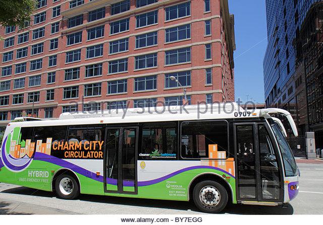 Baltimore Maryland East Pratt Street Charm City Circulator public transportation bus free shuttle stop eco-friendly - Stock Image