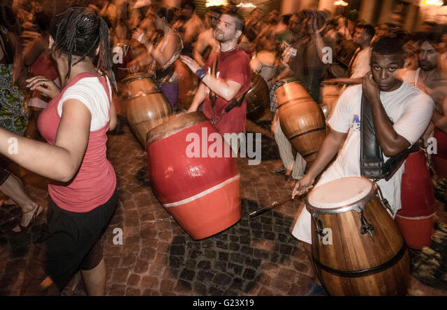 Night Street Dancing with drummers,,   San Telmo,  Buenos Aires, Argentina - Stock Image
