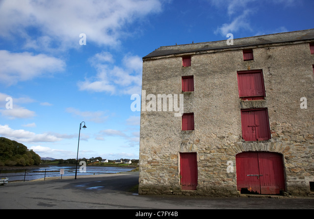 the old warehouses on the quay lough swilly ramelton county donegal republic of ireland - Stock Image