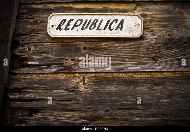 Sign indicating the name of the Republica street in Baracoa, Cuba - Stock-Bilder
