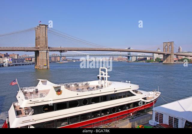 Bridge Ship North America Stock Photos Amp Bridge Ship North