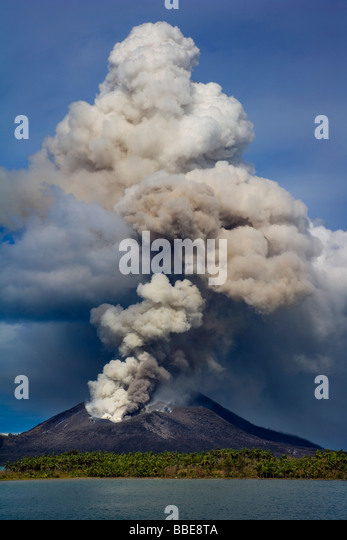 Volcano erupting in Papua New Guinea - Stock Image