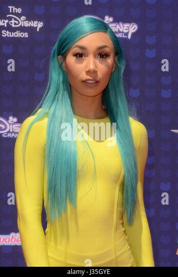 Eva Gutowski at arrivals for Radio Disney Music Awards - ARRIVALS, Microsoft Theater, Los Angeles, CA April 29, - Stock-Bilder