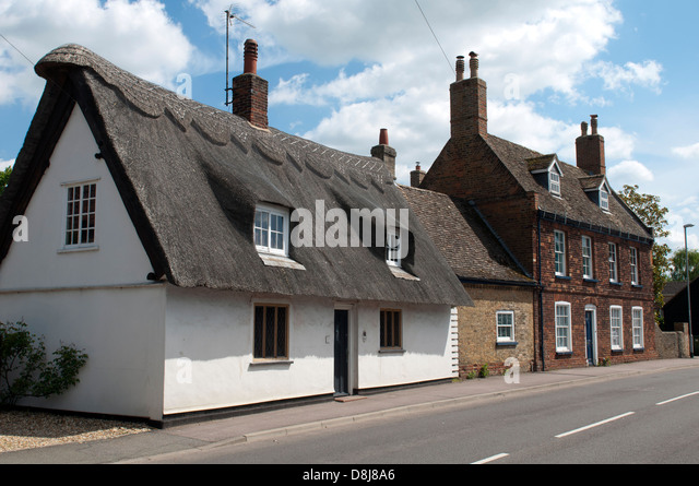 Garden Centre: Uk Cambridgeshire Cottages Stock Photos & Uk