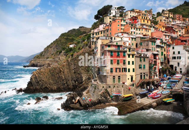 Town of Riomaggiore in Italy's Cinque Terre national park - Stock-Bilder