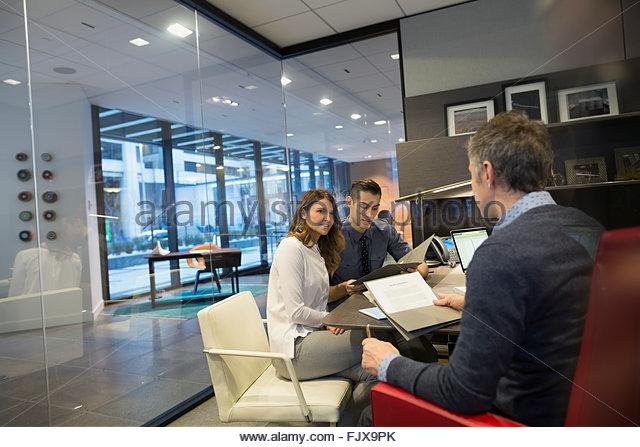 business people meeting boss office 25-29 years - Stock-Bilder