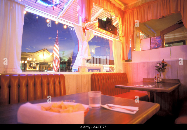 Empty Restaurant Booth Stock Photos amp Empty Restaurant  : interior scene in eating diner california usa a4cd75 from www.alamy.com size 640 x 446 jpeg 87kB