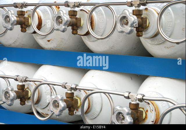 High Pressure Bottle Rack : Compressed gas cylinder stock photos