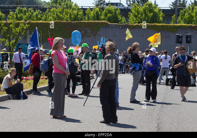 Seattle, Washington, USA. 18th May, 2015. Protest Against Royal Dutch Shell's Floating Drill Rig, Seattle, Washington, - Stock Image