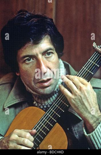 LEONARD COHEN - US singer about 1975 - Stock Image