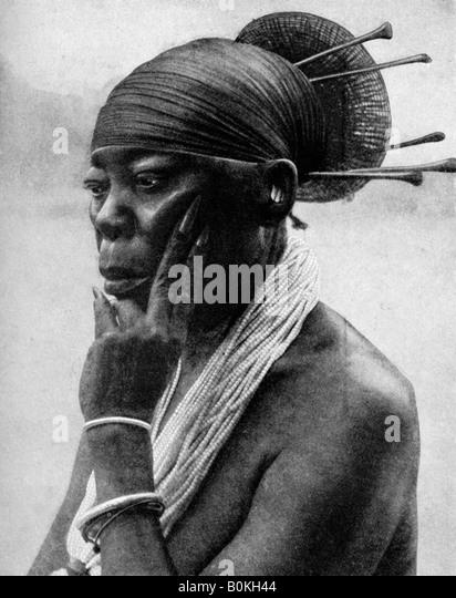 Queen Nenzima of the Mangbetu, Belgian Congo (Congo Republic), 1922. Artist: H Lang - Stock-Bilder