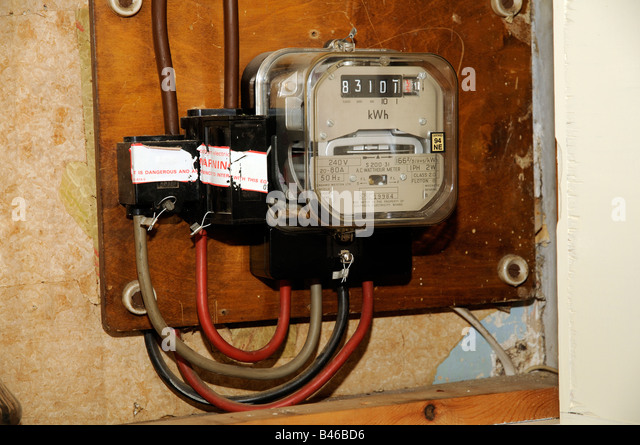 how to use klein voltage meter