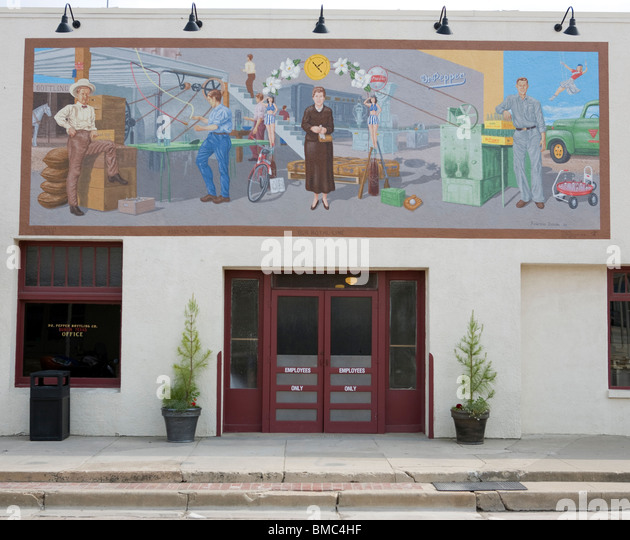 Front of the Dr Pepper soft drink bottling facility established in Dublin, Texas by Sam Houston Prim in the 19th - Stock Image