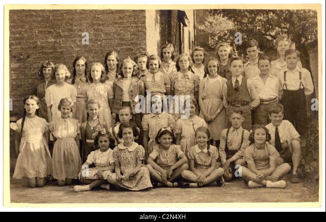 Class photograph of school children in 1930's/1940's - Stock-Bilder
