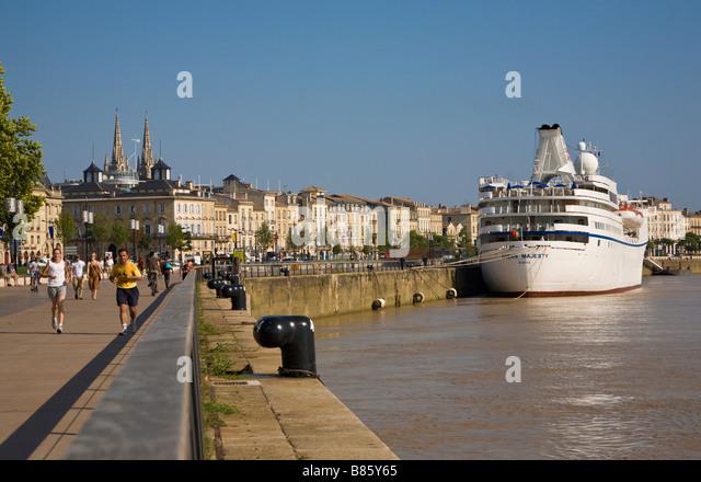 Cruise Ship, River Garonne, Bordeaux, Gironde, France - Stock Image