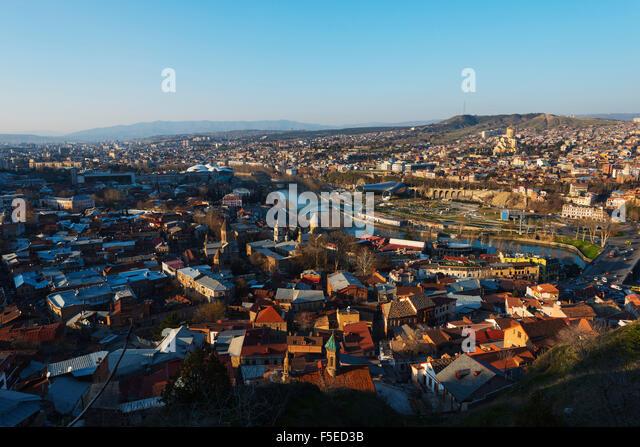 City view, Bridge of Peace on Mtkvari river, Tbilisi Sameda Cathedral and Presidential Palace, Tbilisi, Georgia, - Stock Image