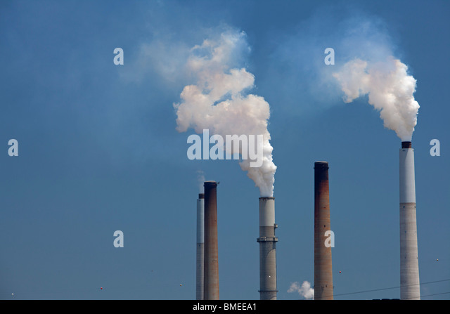 Ghent, Kentucky - The Ghent Generating Station, a coal-fired power plant on the Ohio River operated by Kentucky - Stock Image
