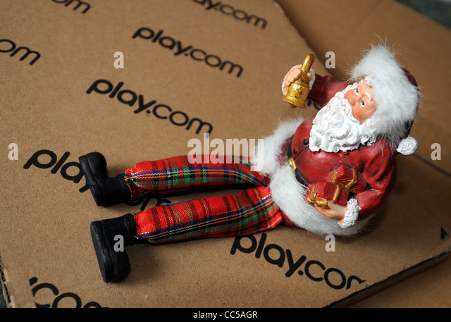 Online shopping at Play.com at Christmas, UK - Stock Image