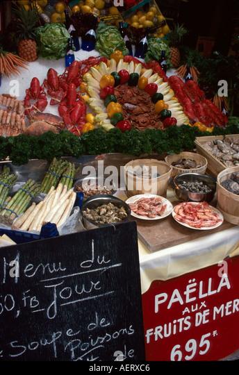Belgium Brussels Ilot Sacre rue des Bouchers Aux Arcades café food display - Stock Image