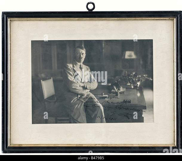 Count Friedrich-Werner von der Schulenburg - a presentation photograph of Hitler, Christmas 1936., A portrait photograph - Stock Image