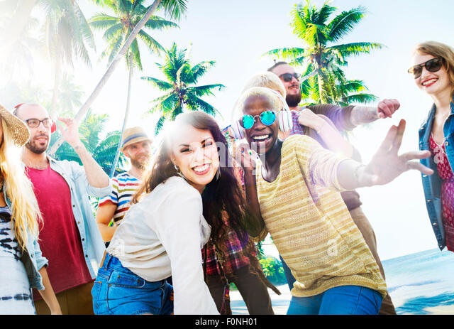 Friends Summer Beach Party Dancing Concept - Stock-Bilder