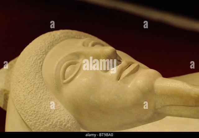 Anthropoid Sarcophagus of man in Greek style, Archaeological Museum (Arkeoloji Muzesi), Istanbul, Turkey - Stock-Bilder