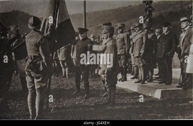 M 197 13 drapeau brig Abbruzzi Poincaré roi Porro Cadorna Bourgeois Sonnino - Stock Image