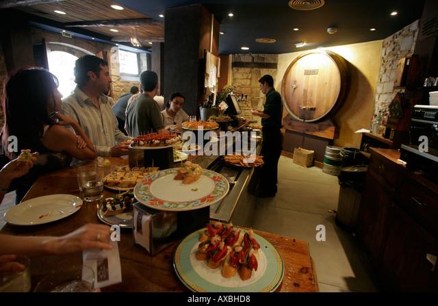 spain Barcelona typical Tapa bar in Ribera Bodega serving small pichitos wine bar - Stock Image
