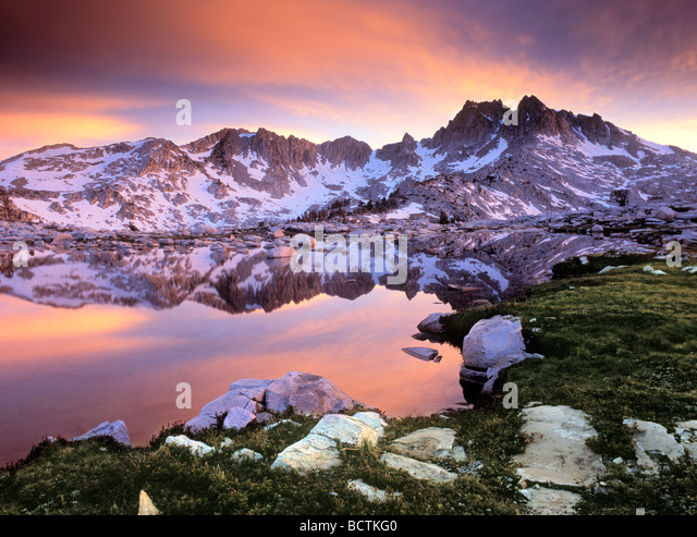Silver Pass and Chief Lake along the John Muir Trail - Sierra Nevada, CA - Stock-Bilder