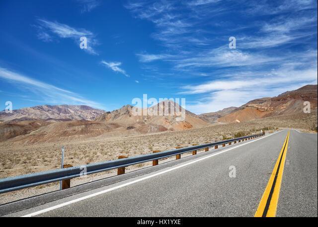 Mountain desert road, travel concept, USA. - Stock-Bilder