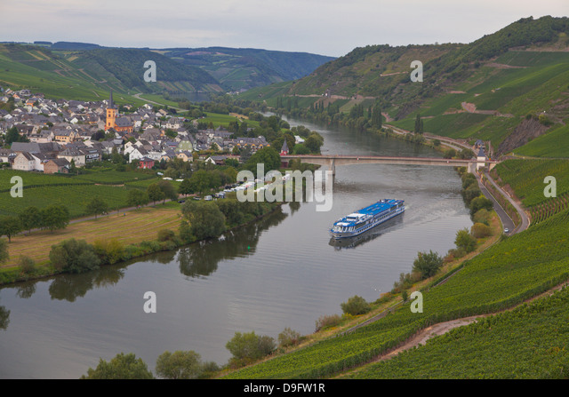 River cruise ship on the River Moselle, Germany - Stock-Bilder