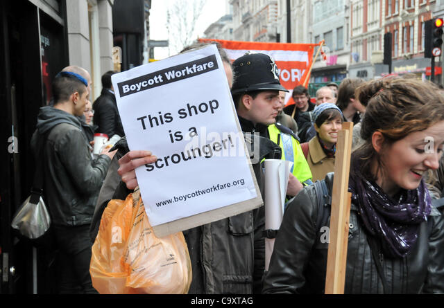 London, UK. 03 Mar, 2012. Anti workfare protesters on Oxford Street in central London, protesting against the government - Stock-Bilder