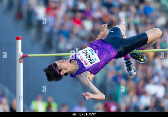 Oslo, Norway. 11th June, 2015. Diamond League Bislett Games Guowei Zhang of China competes in the men high jump - Stock-Bilder