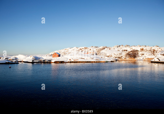 A winter ocean landscape off the Southern coast of Norway - Stock Image