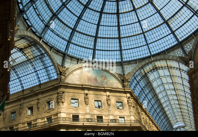 The glass roof of the Galleria in Piazza Duomo Milan - Stock-Bilder