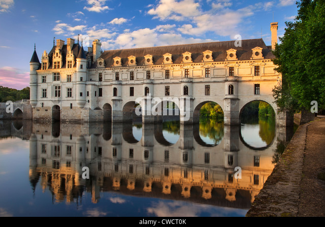 Evening sunlight on Chateau Chenonceau and River Cher, Indre-et-Loire, Centre France - Stock Image