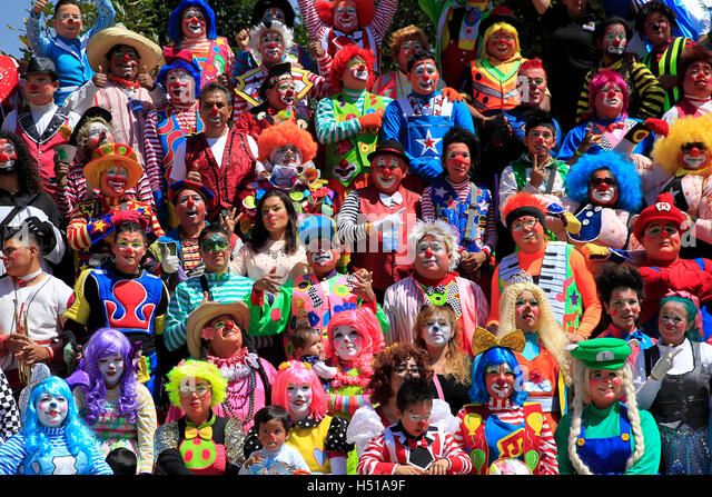 Mexico City, Mexico. 19th Oct, 2016. Clowns pose for photo during the 21st Clown Convention in Mexico City, capital - Stock Image