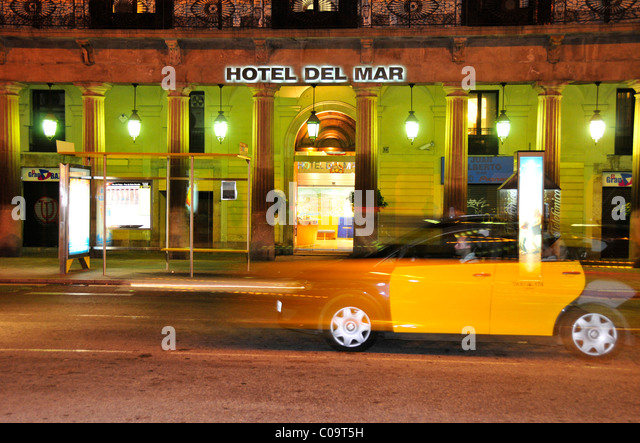Taxi spain stock photos taxi spain stock images alamy - Cab in barcelona ...