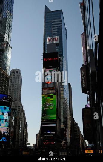 New York USA illuminated advertising billboards - Stock Image