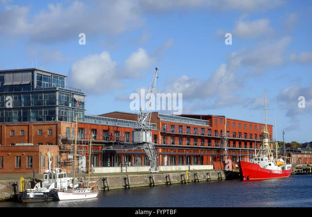 fire boat stock photos fire boat stock images alamy. Black Bedroom Furniture Sets. Home Design Ideas
