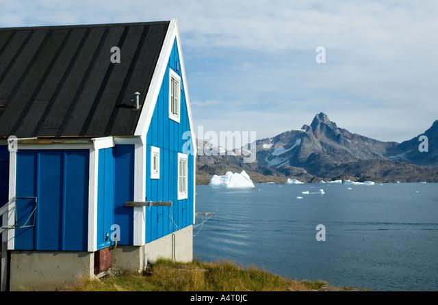 Inuit hut at the village of Tasiilaq, formerly known as Ammassalik, Angmagssalik Island, Sermilik Fjord, East Greenland. - Stock Image