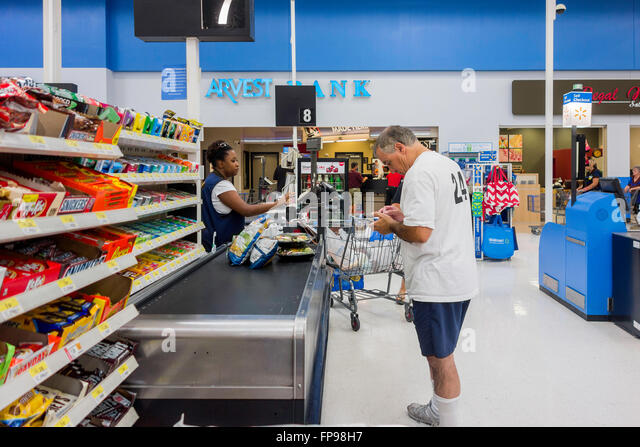 Checkout Line Stock Photos u0026 Checkout Line Stock Images - Alamy