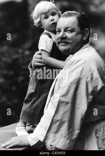 Heinrich George with son Albert George, 1933 - Stock Image