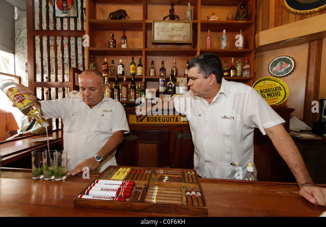 La Bodeguita del Medio, Havanna Viejo, Hemingways Bar in Havanna, Cuba, - Stock Image