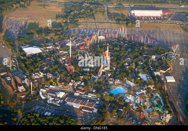 North Carolina Charlotte onboard inflight US Airways from Miami window seat view aerial amusement park roller coaster - Stock Image